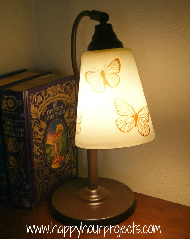 Thrift Lamp Re-Vamp with Martha Stewart Glass Paints