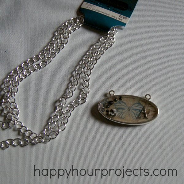 Vintage Inspired Resin Necklace