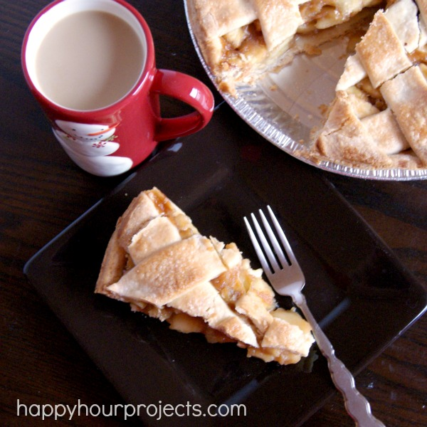 Starbucks Coffee, Apple Pie, and a Burlap Gift Basket Pattern