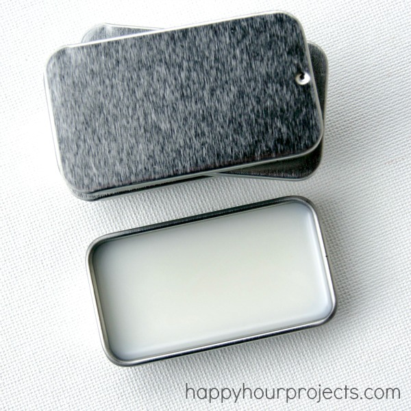 DIY Peppermint Vanilla Lip Balm at happyhourprojects.com