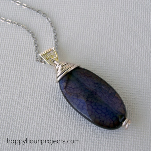 Wire-Wrapped Pendant Tutorial for Beginners at www.happyhourprojects.com
