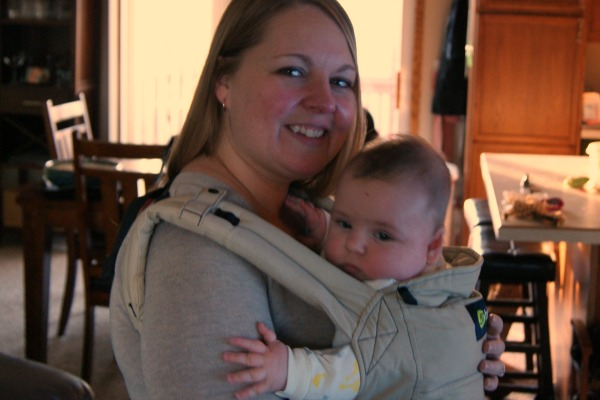 What I love about Babywearing at www.happyhourprojects.com