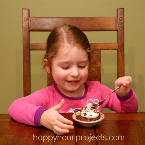 Easy Chocolate Peanut Butter Pies at www.happyhourprojects.com #KraftEssentials #shop