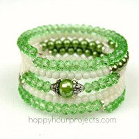 Easy Two-Tone Memory Wire Bracelet at www.happyhourprojects.com