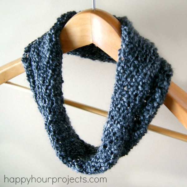 Beginner's Loom Knit Cowl - An Easy Last-Minute Handmade Gift! at www.happyhourprojects,.com