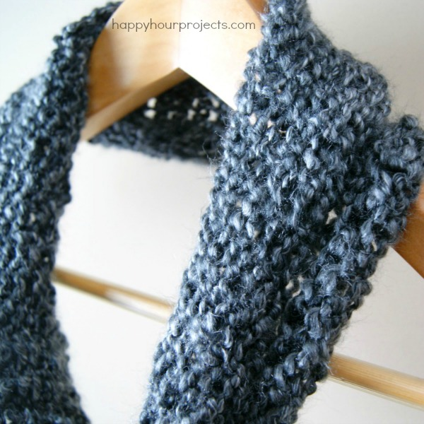 Beginner's Loom Knit Cowl - An Easy Last-Minute Handmade Gift! at www.happyhourprojects.com