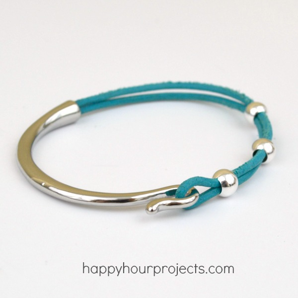 Easy Curved Clasp Leather Bracelet at www.happyhourprojects.com