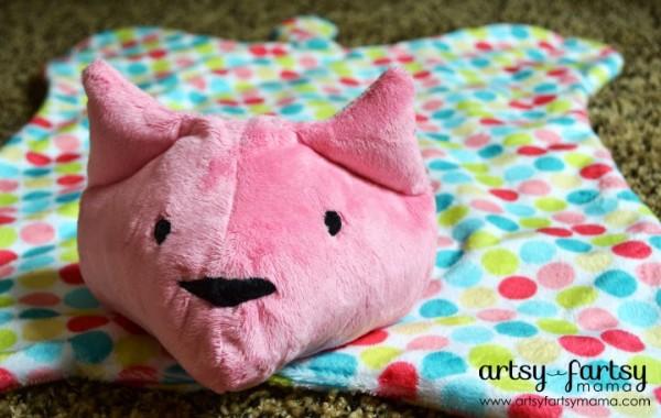 Cat Cuddle Blanket at Artsy Fartsy Mama
