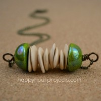 Easy Beaded Bar Necklace at www.happyhourprojects.com