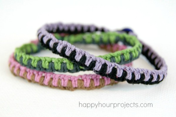 Macrame Friendship Bracelet Tutorial and 7 Great Friendship Gifts from #MyFavoriteBloggers at www.happyhourprojects.com