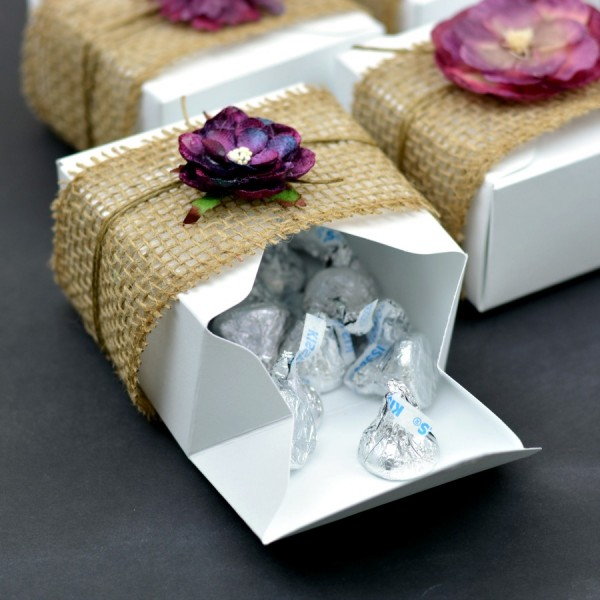 DIY Gift Boxes or Favor Boxes for Weddings and Parties