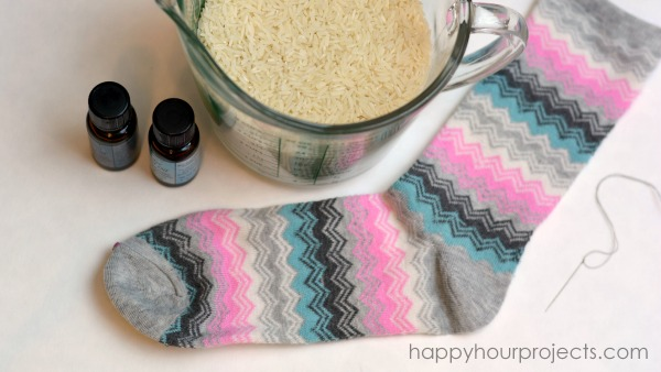 Aromatherapy Neck Pillow Video Tutorial at www.happyhourprojects.com