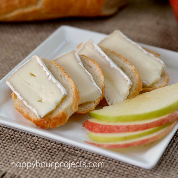 Snack Attack: Easy Brie Cheese and Apple Appetizer