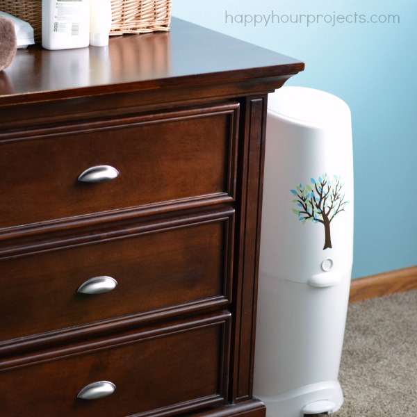 Diaper Genie Makeover at happyhourprojects.com