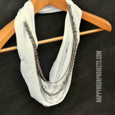 DIY Infinity Scarf with Chains - Video Tutorial at www.happyhourprojects.com