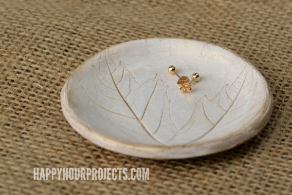 Leaf-Imprinted Polymer Clay Jewelry Dish at www.happyhourprojects.com