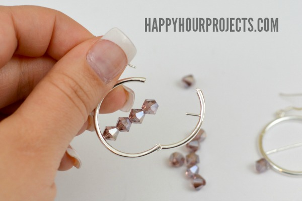 One-Minute Easy Interchangeable Beaded Earrings at www.happyhourprojects.com