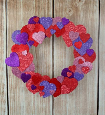 Easy Valentine Paper Heart Wreath