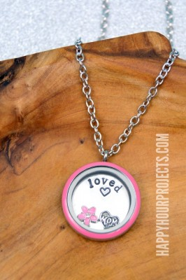 http://happyhourprojects.com/wp-content/uploads/2015/03/Spring-Stamped-Charm-Lockets-3.1-266x400.jpg
