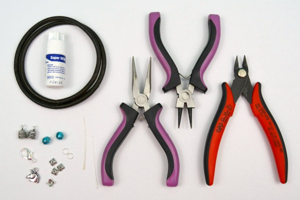 DIY Leather Wrap Charm Bracelet (With Unicorn!) at www.happyhourprojects.com