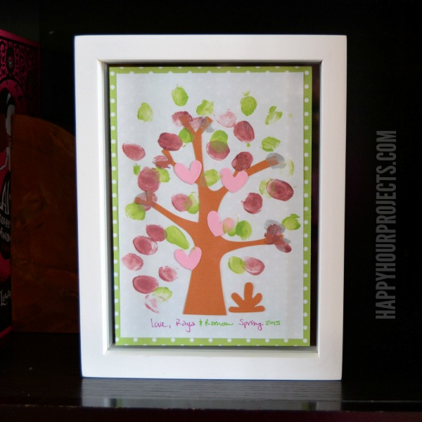 Easy Kids' Fingerprint Tree at www.happyhourprojects.com