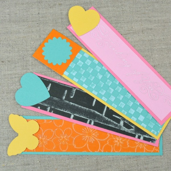 Easy Embossed Bookmarks for Summer Reading, Teacher Gifts, Gofts for Book Lovers, and More at www.happyhourprojects.com