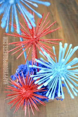 http://happyhourprojects.com/wp-content/uploads/2015/05/Topiary-Style-Fireworks-Decor-With-FloraCraft-Foam-Balls-1-267x400.jpg
