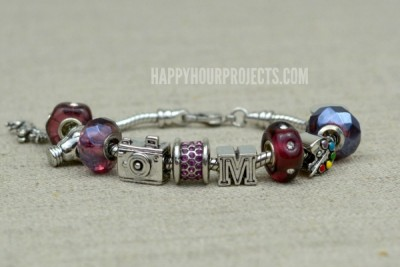http://happyhourprojects.com/wp-content/uploads/2015/06/Instant-Charm-Bracelet-1-400x267.jpg