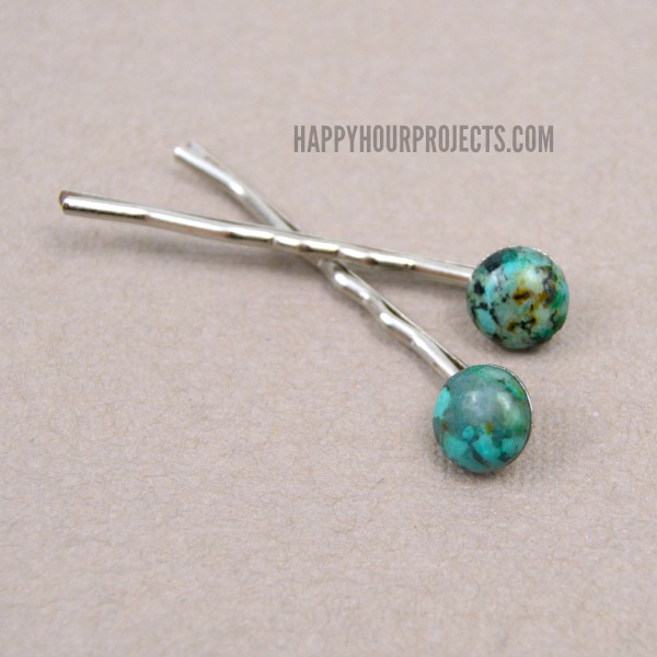 DIY Stone-Embellished Hair Pins a www.happyhourprojects.com | A 2-Minute DIY
