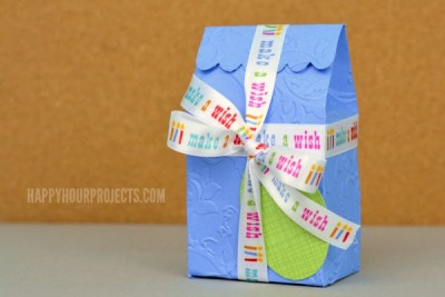 http://happyhourprojects.com/wp-content/uploads/2015/07/Embossed-Treat-Box-2-400x267.jpg
