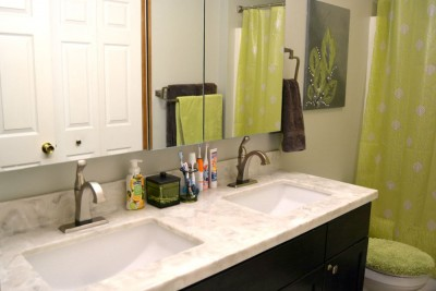 http://happyhourprojects.com/wp-content/uploads/2015/08/Bathroom-Makeover-3-400x267.jpg