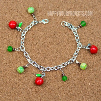 http://happyhourprojects.com/wp-content/uploads/2015/09/Apple-Charm-Bracelet-1-400x400.jpg