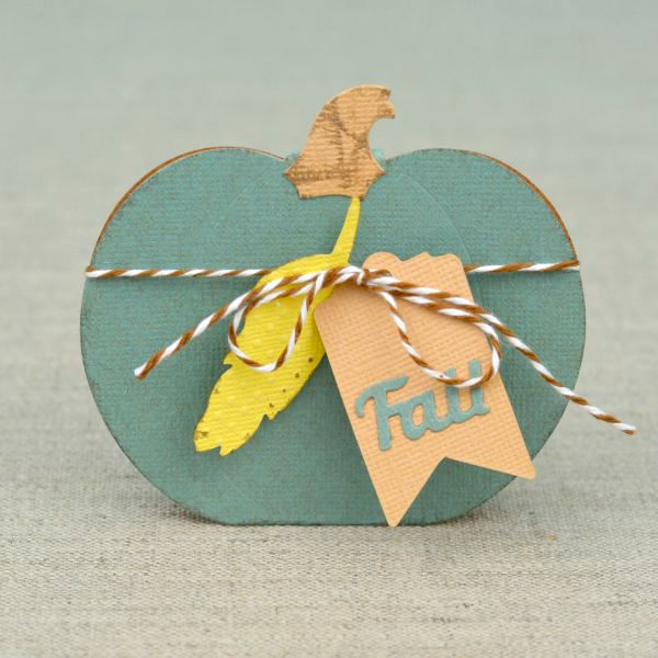 Simple Handmade Pumpkin Cards at www.happyhourprojects.com