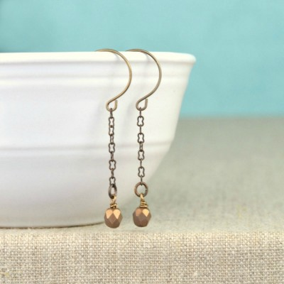 http://happyhourprojects.com/wp-content/uploads/2015/11/Easy-DIY-Drop-Earrings-400x400.jpg