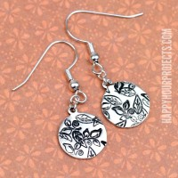 DIY Hand Stamped Jewelry | Fall Themed Leaf Earrings at www.happyhourprojects.com