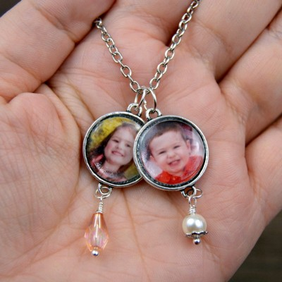 http://happyhourprojects.com/wp-content/uploads/2015/12/Photo-Charm-Necklace-2-400x400.jpg