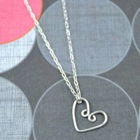DIY WIre Heart Necklace at www.happyhourprojects.com