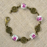 Easy DIY Bracelet | Vintage Inspired Floral Design