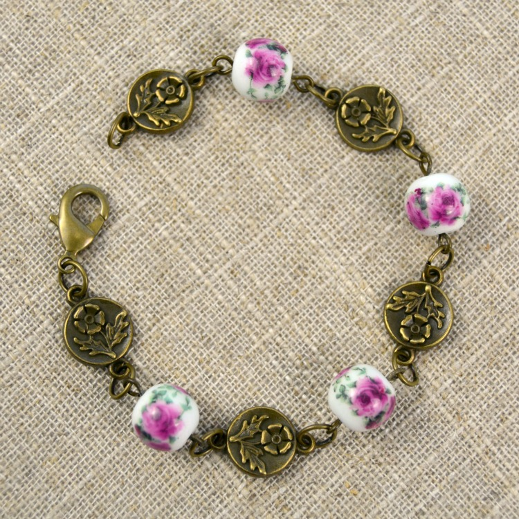 Easy DIY Bracelet | A Vintage Floral Design at happyhourprojetcs.com