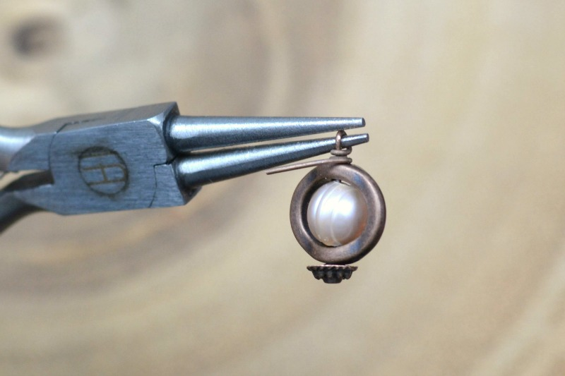 Copper & Pearl DIY Earrings   happyhourprojects.com