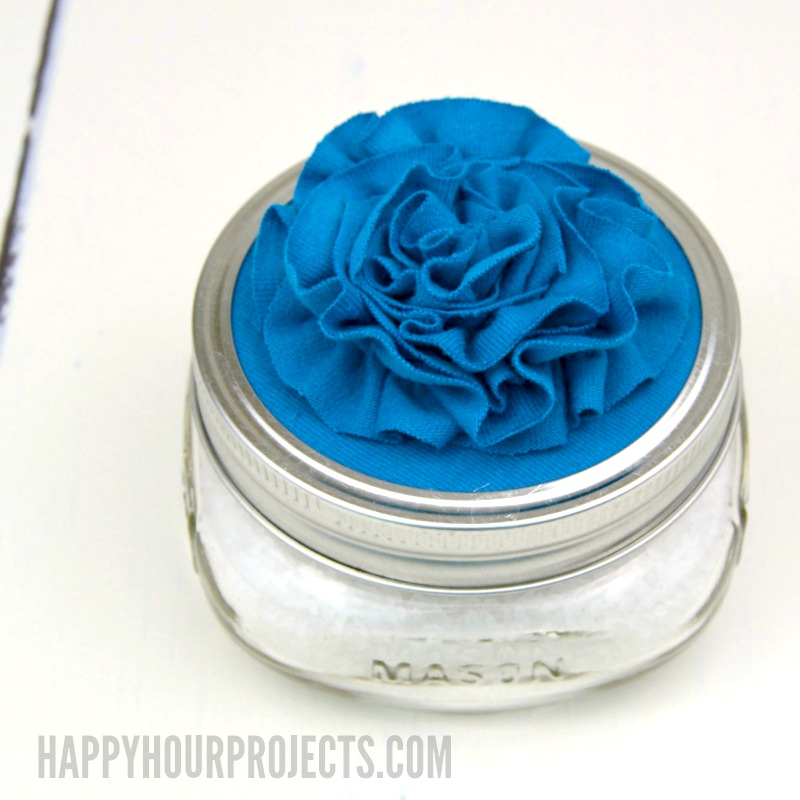 DIY Bath Salt Soak and Floral Topped Jar at happyhourprojects.com | Quick and easy Mother's Day Gift!