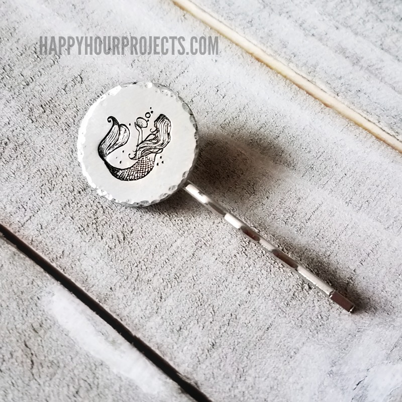 Hammered DIY Hair pins at happyhourprojects.com | Make these DIY hair pins in minutes! #MetalStamping #DIY #Accessories