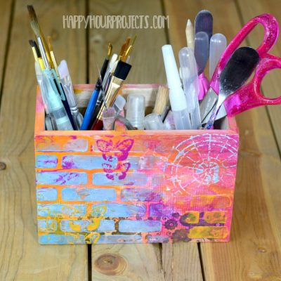 http://happyhourprojects.com/wp-content/uploads/2018/06/Mixed-Media-Paintbrush-Holder-10-400x400.jpg