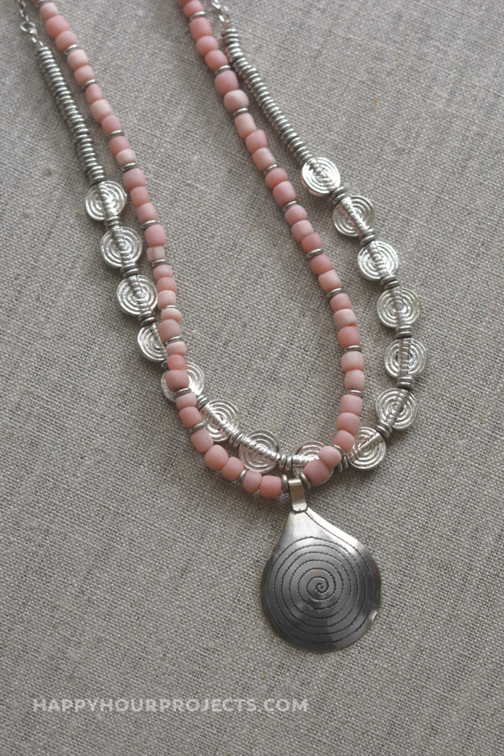 http://happyhourprojects.com/wp-content/uploads/2018/10/Coral-Spiral-Necklace-11.jpg