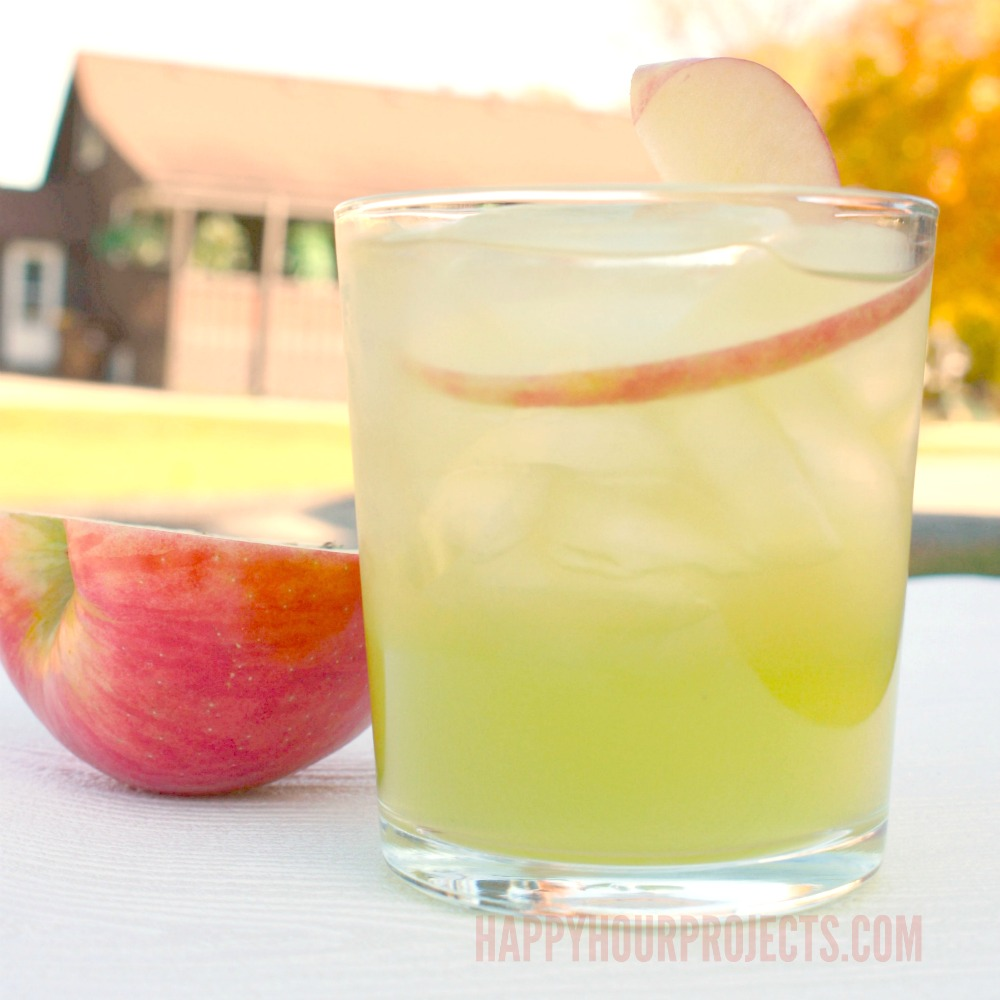 Caramel Apple Cooler at happyhourprojects.com | This fresh fall vodka cocktail has simple caramel and apple flavors great for any autumn or Halloween party!